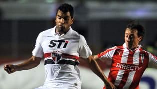 A seca por títulos faz com que os clubes invistam pesado em jogadores para sair dessa má fase. Não é diferente com o São Paulo, que volta e meia acumula...