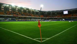 Süper Lig'in 35. hafta randevusunda Fenerbahçe dış sahada Medipol Başakşehir'e konuk olacak. Saat 19:00'da başlayacak olan mücadele öncesinde kadrolar belli...