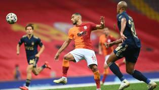 Süper Lig'de koronavirüs kabusu artarak devam ediyor. Takımlarda toplam vaka sayısı 42'ye ulaşırken Beşiktaş'ta 8, Galatasaray'da ise 5 oyuncunun testi...