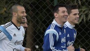 Semana triste para los amantes del fútbol. Fernando Gago y Javier Mascherano anunciaron sus retiros y recibieron muchos homenajes. No podía faltar el de...