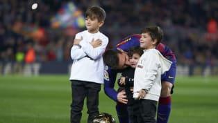Lionel Messi ha vuelto a los entrenamientos. El argentino ya puede ejercitarse con el Barcelona, al igual que todos sus compañeros, tras el permiso del...