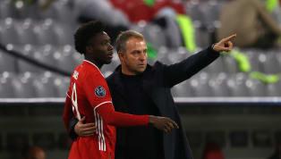 Die Partie des FC Bayern gegen Eintracht Frankfurt hat mit einer üblen Szene begonnen. Nach nur einer Minute blieb Alphonso Davies mit dem rechten Fuß im...