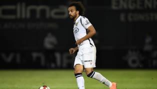 Transferde yoğun bir mesai harcayan Fenerbahçe için yeni bir isim daha gündeme geldi. Braga'da oynayan hücumcu kanat Fabio Martins'in sarı-lacivertlilerle...