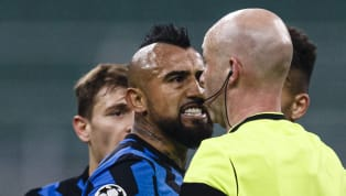 """La cadena 'Gol' ha revelado que Arturo Vidal le dijo al árbitro """"Ahí tiene la mierda del VAR para mirar y nada"""", antes de que el colegiado decidiera..."""