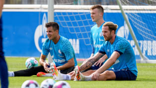Mit dem geplatzten Transfer von Alexander Schwolow bleiben auf Schalke nur verunsicherte Torhüter zurück: Weder Markus Schubert, noch Ralf Fährmann genießen...