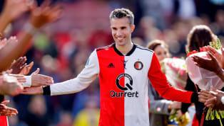 À la retraite depuis le 12 juillet 2019, Robin van Persie est désormais le nouvel entraîneur des attaquants du Feyenoord Rotterdam. Un nouveau poste qui lui...