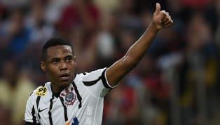 Torcedor declarado, Elias já viveu bons momentos no Corinthians. Ao todo, foram duas temporadas e títulos importantes, como a conquista da Série B, em 2009,...