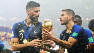 """Pour certains """"connaisseurs"""" du football, il aurait les faveurs de Deschamps pour ses sélections en Équipe de France. Pire, il aurait volé la place de Karim..."""