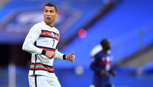 Pelatih Timnas Portugal Fernando Santos mengatakan kondisi Cristiano Ronaldo kini baik-baik saja pasca dinyatakan positif terpapar virus corona. Ronaldo...