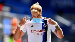 In den letzten beiden Spielen des Hamburger SV machte Innenverteidiger Timo Letschert wahrlich keine gute Figur. Doch sein Trainer, um die delikate Situation...