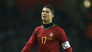 Menjadi kapten tim untuk negara sendiri, pastinya telah menjadi suatu kehormatan bagi para pemain-pemain yang bisa mendapatkannya. Biasanya sosok pemain yang...