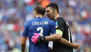 Un temps évoqué, c'est désormais officiel : Giorgio Chiellini et Gianluigi Buffon rempilent pour une saison supplémentaire avec la Juventus. Dans l'air du...