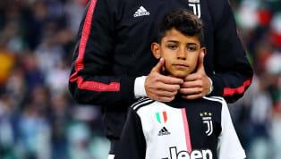 Cristiano Ronaldo Jr vừa vi phạm pháp luật khi điều khiển moto nước dù chỉ mới 10 tuổi. Tranh thủ kỳ nghỉ, cậu cả nhà Ronaldo đã trở về Bồ Đào Nha nghỉ mát....