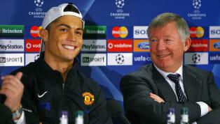 Era kesuksesan terbesar Manchester United terjadi ketika Sir Alex Ferguson melatih klub selama 26 tahun dari 1986 hingga 2013. 38 trofi diraihnya termasuk 13...