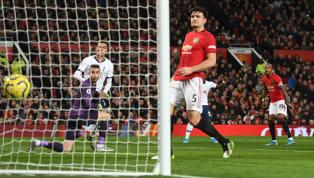 Na tarde desta sexta-feira (19), o Manchester United fez sua 'reestreia' na temporada, visitando o Tottenham pela rodada 30 da Premier League. Apesar de...