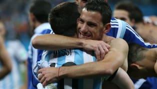 """Maxi Rodríguez criticó a Barcelona por el escándalo generado con Lionel Messi: """"No se merecía la forma que lo trataron"""". El argentino compartió plantel con el..."""