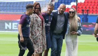 Los futbolistas de élite suelen acaparar la fama y los focos allá donde van. Sin embargo también tienen familiares que no se dedican al fútbol y no son unos...