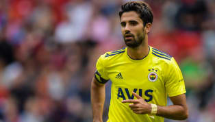 Son dakika transfer haberleri... Demir Grup Sivasspor Kulübü'nün, Fenerbahçe ile yollarını ayrılan başarılı futbolcu Alper Potuk'la ilgilendiği öğrenildi....