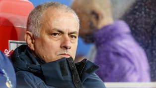 Vivir de lo que se hace fuera del campo y no en él es algo a lo que solo le ha sabido sacra provecho, si hablamos de entrenadores, José Mourinho. Un...