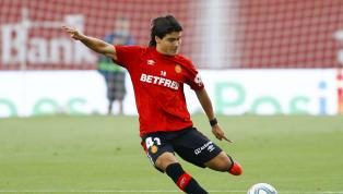 Luego de hacer historia al convertirse en el futbolista más joven en debutar en La Liga de España (lo logró en el Mallorca con apenas 15 años y 219 días), el...