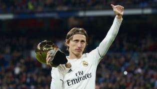 Jährlich vergibt die französischeFrance Footballden Ballon d'Or, die Trophäe für den besten Fußballer des Kalenderjahres. Von Sportjournalisten rund um den...