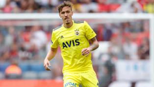 Sabah'ın aktardığı bilgiye göre; Fenerbahçe ile sorunlu bir şekilde ayrılan Max Kruse'ye Almanya Bundesliga'dan talip çıktı. Bonservisi elinde olan 32...