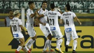 Nos dois meses em que o futebol brasileiro ficou completamente paralisado, o Santos resolveu cortar 70% dos salários de seus atletas. Com o retorno dos...