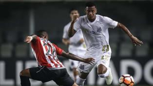É bem verdade que o Santos, recentemente, andou investindo em jogadores mais rodados para o setor ofensivo. Uribe, hoje com 32 anos, e Marinho, com 30, são...