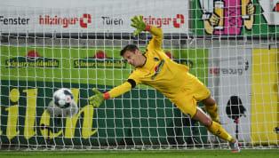 Der Wechsel von Alexander Schwolow vom SC Freiburg zum FC Schalke 04 schien bereits beschlossene Sache zu sein. Der Abschluss des Transfers steht jedoch...