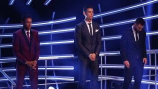 Lionel Messi và Cristiano Ronaldo là hai ngôi sao đứng đầu top 10 cầu thủ hưởng lương cao nhất châu Âu hiện tại. Thống kê này được tạp chí uy tín Forbes công...