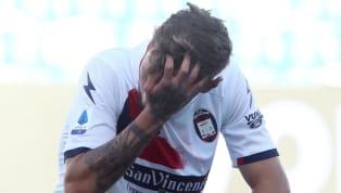 Il Covid-19 continua a colpire la Serie A. Nelle ultime ore sono tre i nuovi casi che riguardano i giocatori, come annunciato da Crotone, Parma e Torino. IL...