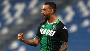 Ciccio Caputo nella storia. Con la doppietta di ieri sera nel sonoro 5-0 che il suo Sassuolo ha rifilato al Genoa il centravanti pugliese è salito a quota 21...