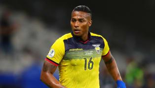 O lateral-direito equatoriano Antônio Valencia foi oferecido aos dois gigantes argentinos Boca e River após rescindir contrato com a LDU. O jogador de 34 anos...
