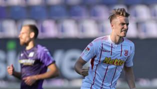 Max Besuschkow blieb bei Eintracht Frankfurt der Durchbruch verwehrt. Über eine Ausleihe nach Belgien führte sein Weg schließlich zu Jahn Regensburg, wo der...
