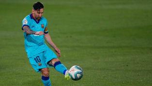Lionel Messi vừa cán mốc 19 kiến tạo ở La Liga mùa này sau trận thắng tưng bừng 4-1 trước Villarreal. Messi tự mình có cú đúp kiến tạo để Luis Suarez và...