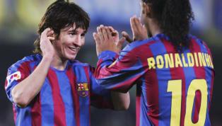 Otros grandes jugadores supieron lucir esta icónica casaca del fútbol mundial antes de que Lionel se adeñuara de ella. 1. Ronaldinho Barcelona v Real Madrid -...