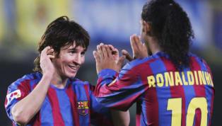 Lionel Messi vai ficar para a história do Barcelona como Pelé ficou para o Santos e Zico para o Flamengo: o eterno dono da camisa 10. Gênio, o argentino...
