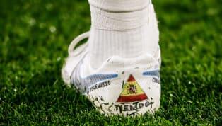 Historiquement lié à Nike niveau crampons, le défenseur central du Real Madrid s'est affiché ces derniers jours avec des New Balance, puis des Adidas au pied...