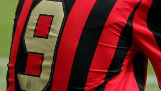 Milan'ın yükselen değeri Krzysztof Piatek'in yeni sezonda 9 numaralı formayı giyeceği geçtiğimiz günlerde açıklandı. İtalyan devinde bu numarayı terletmiş 9...