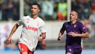 Cristiano Ronaldovà Franck Ribery đụng độ nhau ở trận cầu Serie A giữa Fiorentina và Juventus diễn ra hôm 14.9 vừa qua. Ronaldo bị 'ông già' Ribery tắc...
