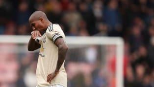 Ashley Young sắp sửa hoàn tất việc gia nhập Inter Milan ngay trong kì chuyển nhượng tháng Giêng. Hậu vệ Ashley Young ấn định ngày kiểm tra y tế vào 18.1 và...