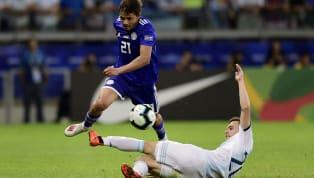 """Ele poderia estar """"em casa"""". Mas a realidade é que não estava. Óscar Romero, atacante da seleção paraguaia, deixou o banco de reservas na partida desta..."""