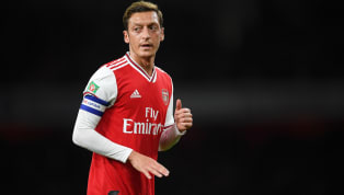 Fenerbahçe'nin Ocak ayında kadrosuna katmak istediği Mesut Özil, Londra'daki evini satışa çıkardı. Evin değerinin 10 milyon Pound olduğu belirtildi....
