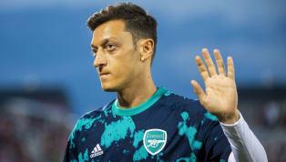 Après une saison éreintante sur le plan sportif, MesutÖzil a décidé d'aborder ce nouvel exercice par un changement drastique de coupe de cheveux. Un nouveau...