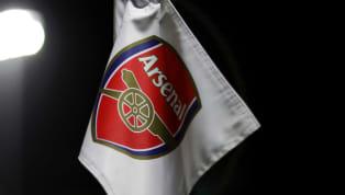 CLB Arsenal được cho là đã đạt thỏa thuận chiêu mộ trung vệWilliam Saliba từ đội bóngSt Étienne của Pháp. William Saliba năm nay mới 18 tuổi, nhưng đã thu...