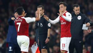 Legenda Manchester United Paul Ince menganalisis penurunan performa Mesut Ozil dan Alexis Sanchez. Penampilan keduanya menurun karena menurut Ince mereka tak...