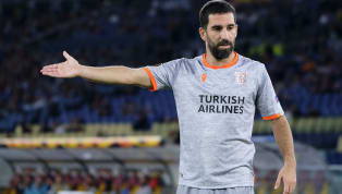 Geçtiğimiz günlerde halı sahada futbol oynarken görüntülenen deneyimli futbolcu Arda Turan, sosyal medya hesabından yaptığı paylaşımda kendisini...