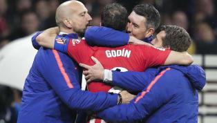 El central uruguayo fue la figura de la noche de ayer. Una jornada inolvidable para el equipo colchonero y para el capitán charrúa. En el momento que todo...