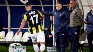 Fenerbahçe Teknik Direktörü Ersun Yanal'ın sarı lacivertli takımın önümüzdeki haftalarda çok kritik ve bir birinden zorlu maçları öncesinde takımı Samandıra...