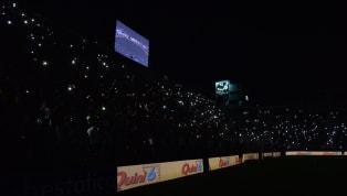 Iban 27 minutos del primer tiempo. Banfield yRiverempataban 0-0 y de repente se cortó la luz en el estadio. Una situación que ocurre pocas veces, pero que...